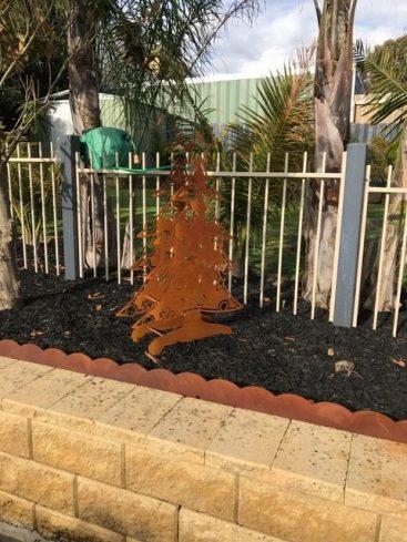Christmas tree rusty