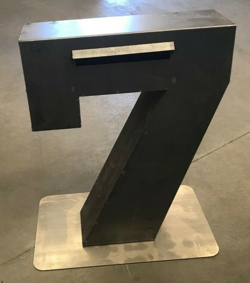 Number 7 Letterbox 1