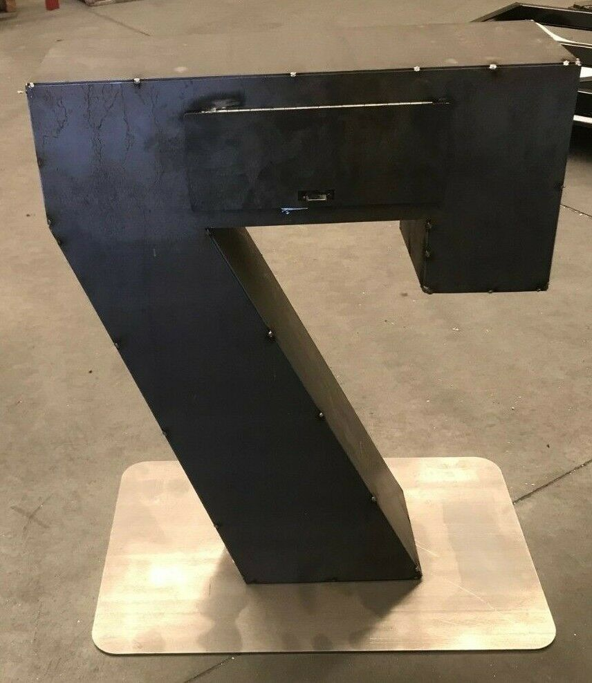 Number 7 Letterbox 2