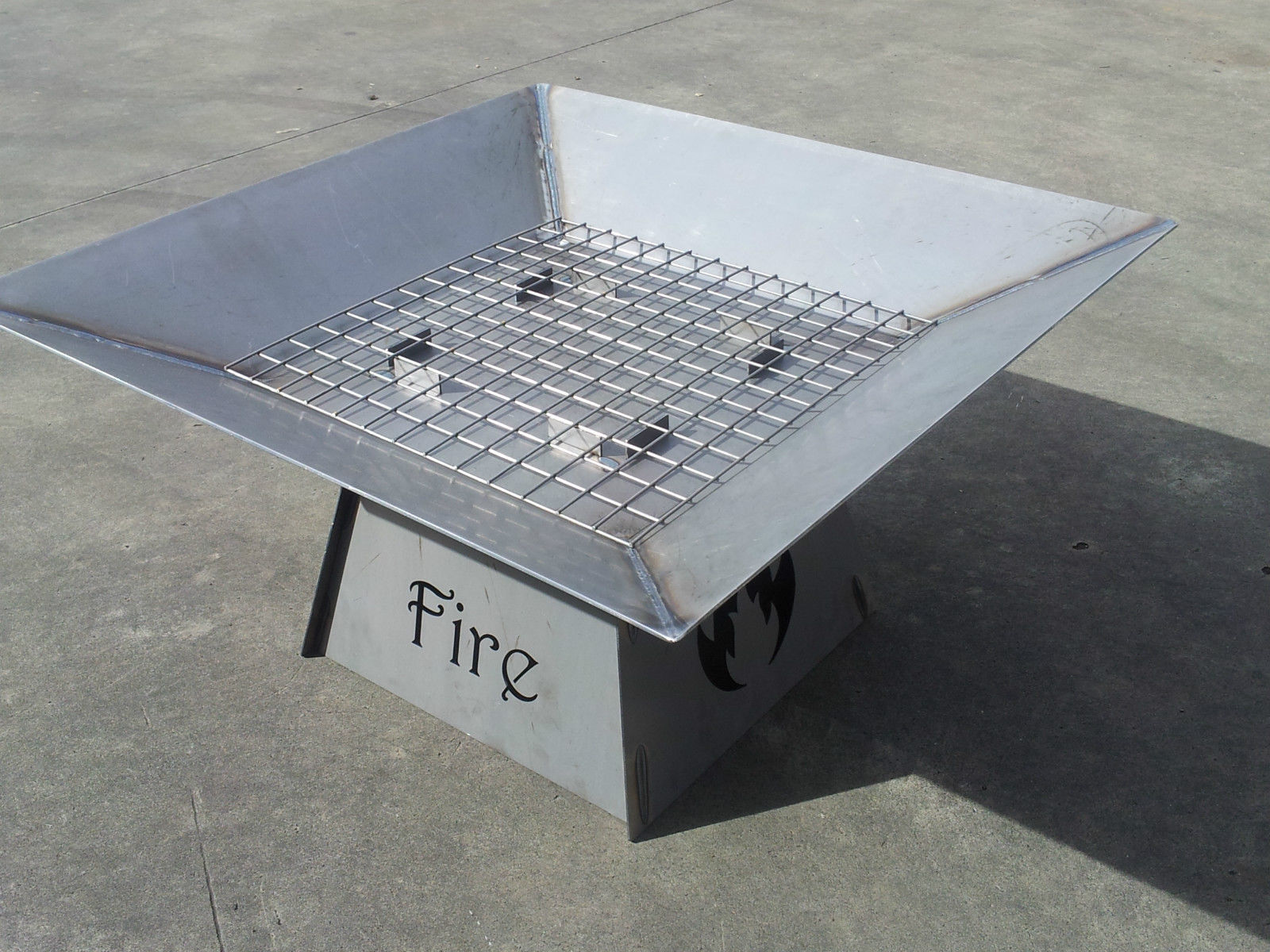 'fire' fire pit 1