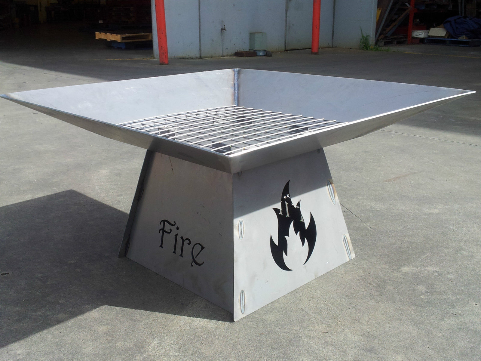 'fire' fire pit 2